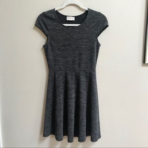 Everly Heathered Charcoal Cap Sleeve Knit Dress PS